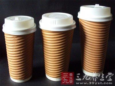 代表制作这种杯盖的材料是聚苯乙烯(PS)
