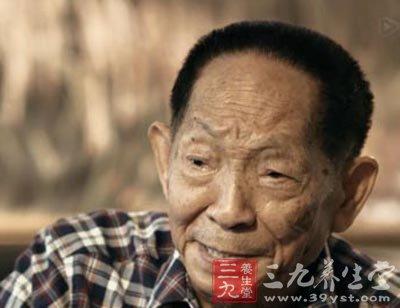 袁隆平/父子都在研究转基因...