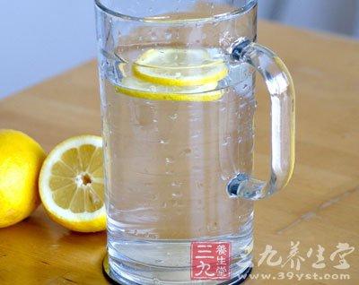 蜂蜜柠檬水的做法四