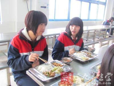 学生食堂男女分区就餐 如何正确处理男女关系图片
