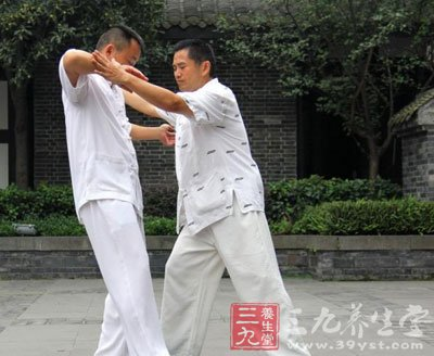 拳视频 太极推手训练及技巧教学(三) 发表时间:2013-12-20 分享 微信图片