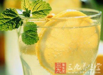 柠檬蜂蜜水的功效