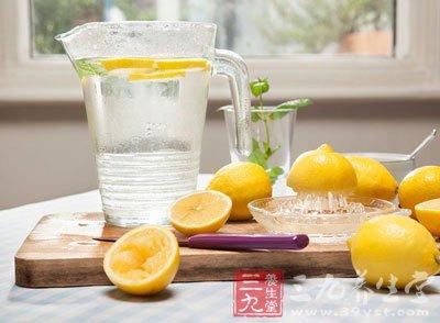 蜂蜜柠檬水的功效