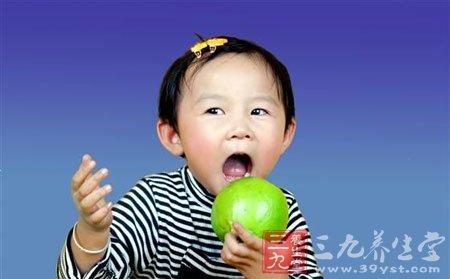 宝宝第一次吃水果(2)