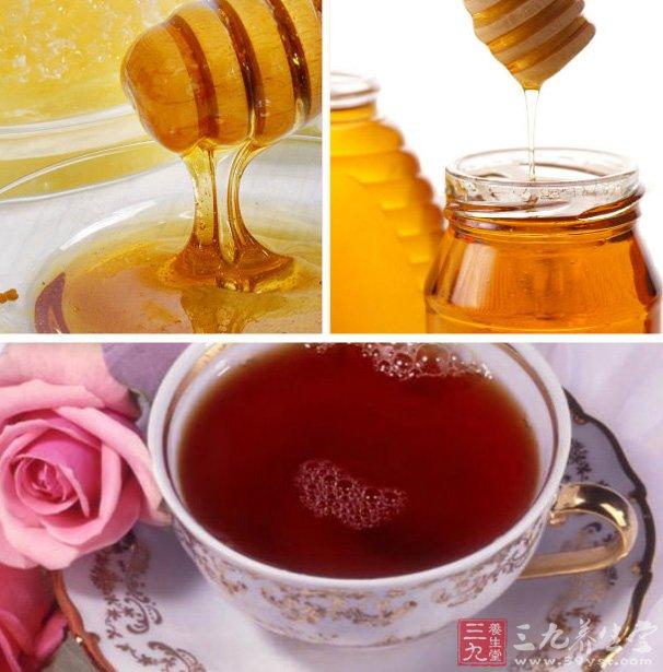 午餐:蜂蜜绿茶两杯、一汤匙蜂蜜