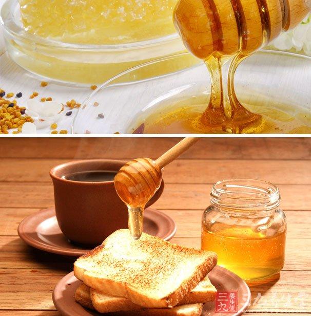 用蜂蜜加2-3倍水稀释后,每天涂敷面部