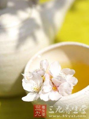 蜂蜜中含有的L-半胱氨酸具有排毒作用