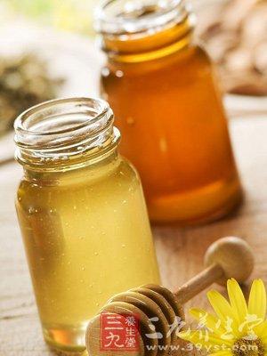 用蜂蜜和燕窝一起煎水喝