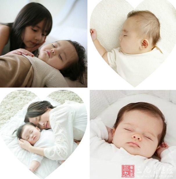 宝宝睡觉的姿势千奇百怪,有的宝宝喜欢仰着睡,有的喜欢趴着睡.