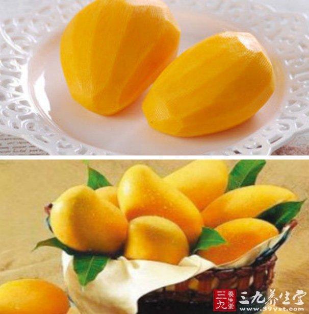 美化肌肤   由于芒果中含有大量的维生素,因此经常食用芒果,可以起