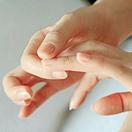 捏手指的痛感知健康