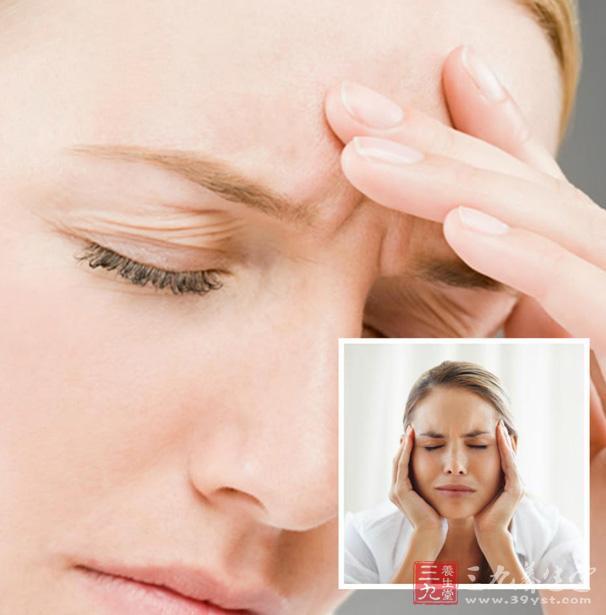金银花还可以防御外感风热或温病初起,比如身热头痛、神昏舌绛、咽干口燥等,都有很明显的作用。