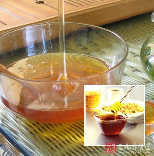 蜂蜜的浓稠度与清澈度