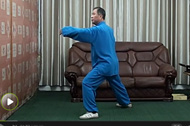 太极拳教程 杨氏太极拳大中小架之间的区别