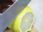 美白人士为何选择蜂蜜柠檬水