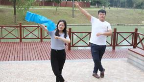 中老年人跳广场舞的好处有哪些