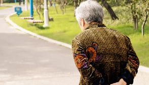 老年人经常腰酸背痛怎么调理