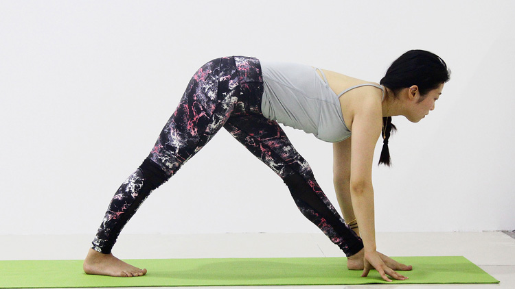 塑形瑜伽第二集 练出优美的手臂