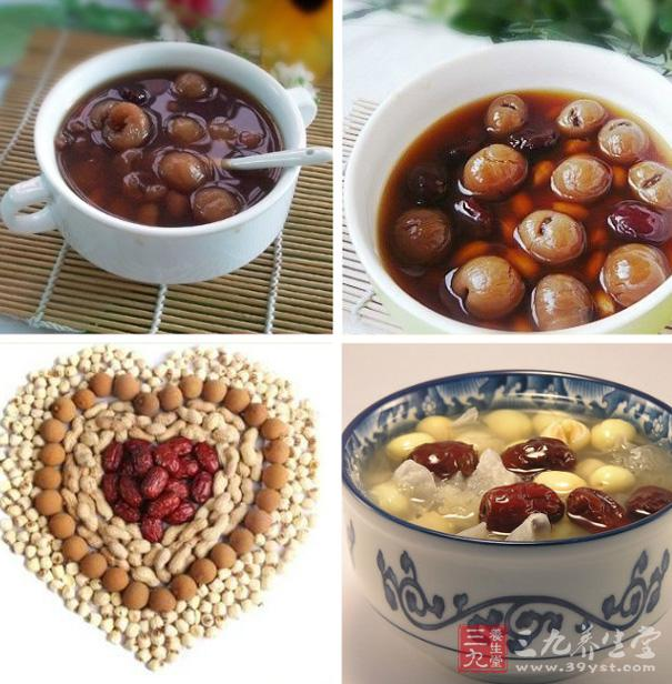 用红枣、花生、桂圆再加入一些红糖在锅里面加水一起用小火炖