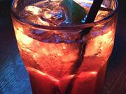 喝进口饮料竟致舌头变色 食品安全问题如何保障