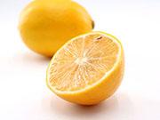 吃柠檬促进钙质接收 预防骨质疏松症