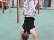 健身也得悠着点 用力过猛易伤肾