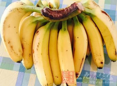 经常失眠的男性可以常吃些香蕉