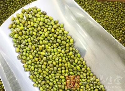 泡过的糯米、绿豆各1000克