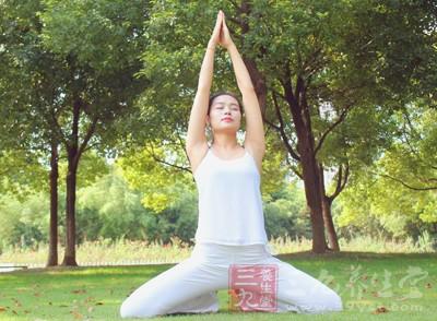 越来越多的女性喜欢练习瑜伽