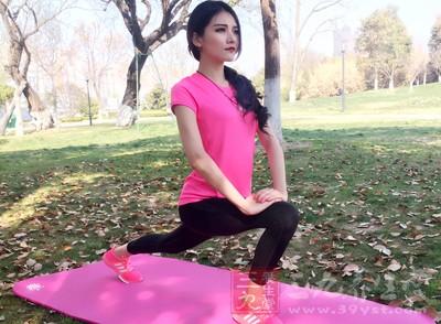 练习瑜伽要松弛有度,把运动和休息结合起来