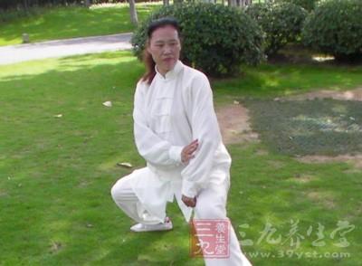 42式太极拳 女人练习42式太极拳调经抗衰老