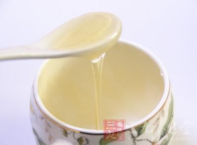 蜂蜜的营养价值 秋天多吃它对身体好