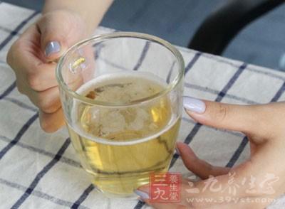 有专家介绍,称喝啤酒与拉肚确实是有一定的关系的