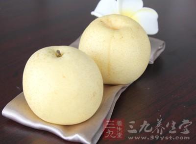 梨子的含水量极高,对秋燥引起的口干舌燥、咽干等有调理作用