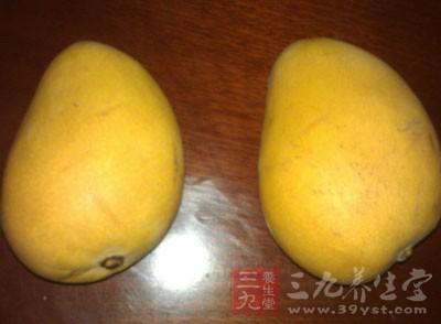 成熟的芒果,是有香味的,特别是在芒果柄