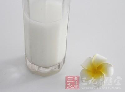 喝进去的牛奶不能充分酶解