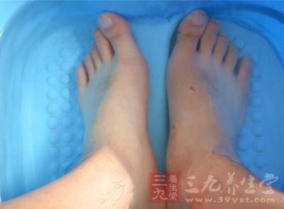 癌症危害 脚上有这特征暗示已经癌症早期了