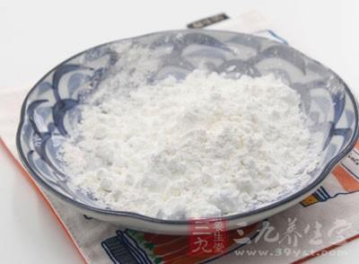 含生物碱、淀粉、沙参素等。能够滋阴清肺,养胃生津以及除虚热,治燥咳
