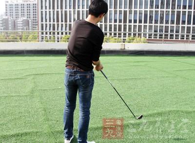 打高尔夫球的益处 打高尔夫的五大养生秘诀