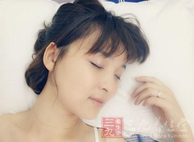 失眠怎么办 睡前做这事能轻松入睡助健康