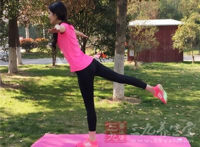 瘦身瑜伽 这样做轻松减掉多余赘肉