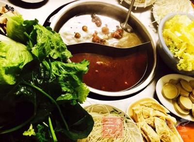 食客一天不吃就特别想 火锅店往底料里加罂粟籽
