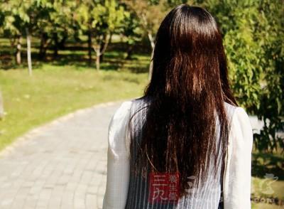 脱发原因及治疗 女人这里掉毛小心是病