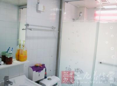 中毒怎么办 婆媳俩在厕所身亡元凶竟是它
