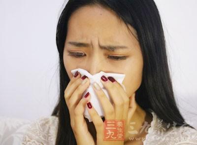 打喷嚏的危害 九成人这样打喷嚏竟然危害健康