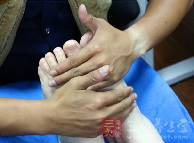 足部按摩的作用主要是保障气血的运行