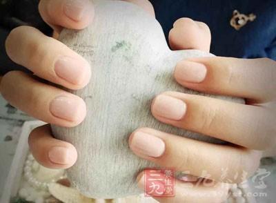从指甲看健康 男女指甲有这变化当心患病