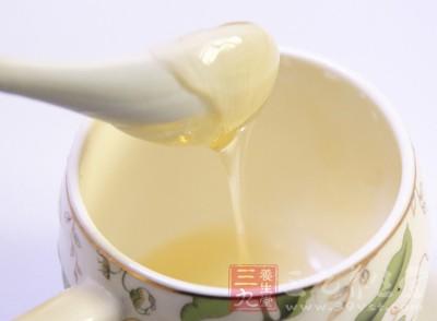 蜂蜜水的功效 蜂蜜水到底应该怎么喝