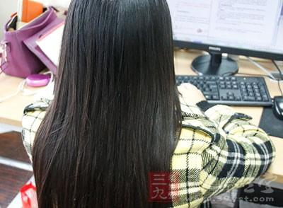 其实拉直头发的方法很多