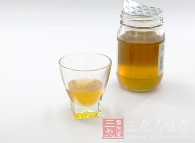虽然说吃蜂蜜对于身体来说好处是比较多的
